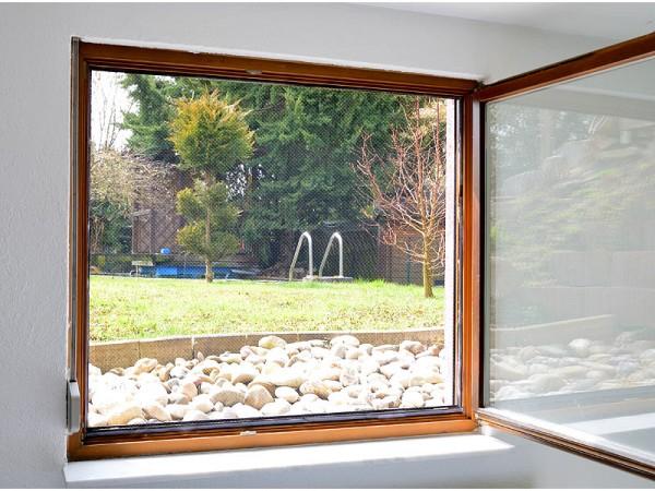 Fliegengitter für Fenster, 130 x 150 cm inkl. 6 m Klebeband