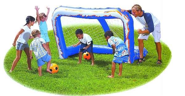 Fußball-Tor mit Ball, Maße 137x122x213cm, incl. 2 BäŠlle